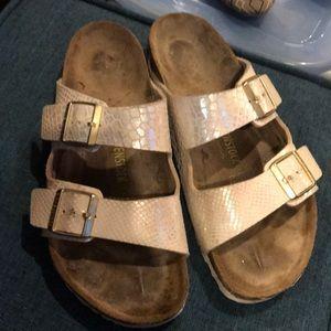 Great comfortable sandal